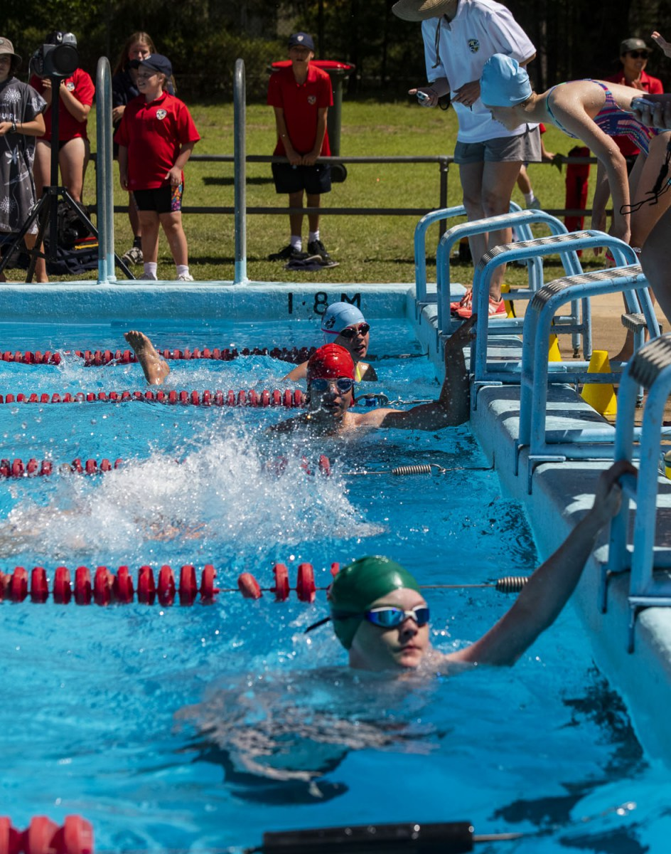 2020_SMGS_SwimCarnival_pool-action_400